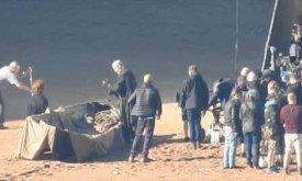 Накрывая лодку, Давос беседует с Тирионом (19.10.2016)