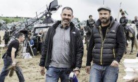 Мигель Сапочник вместе с оператором Фабианом Вагнером на съемках Битвы бастардов, 6 сезон