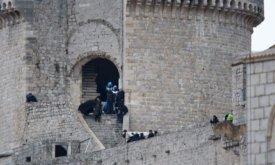 Джон Сноу спускается по лестнице (башня Минчета, Хорватия, 7 февраля 2018)
