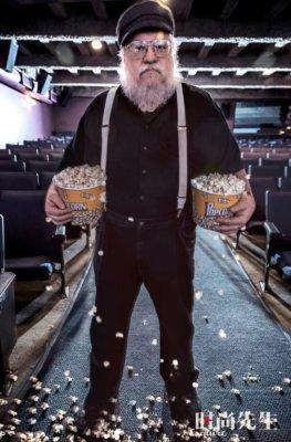 Джордж Р. Р. Мартин в своем кинотеатре