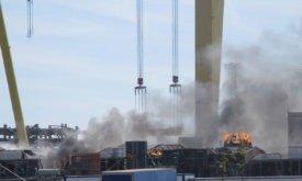 Позже снова снимали пожар на куполе и в зданиях слева от него