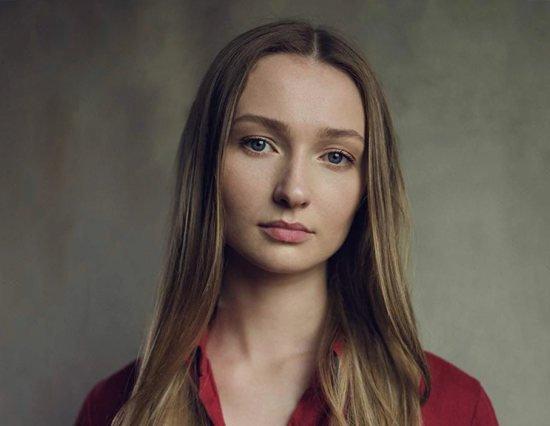 Эми МакПирсон, персонаж по имени Аурелия, дочь героини Уоттс