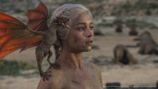 Финальная сцена 1-го сезона с кричащим Дрогоном