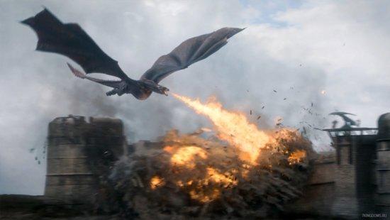 Дракон нападает на город