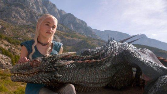Драконы-подростки еще малы, чтобы носить всадника.